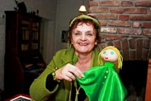 Marleen Groenland maakt al haar poppen zelf. (foto Joris van der Pijll)
