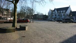 Het St. Jansplein in Moergestel wacht geruime tijd op afronding van het werk, het plaatsen van een infiltratiekelder.