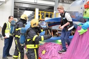 Brandweer moet slachtoffers van een ongeval redden. (foto Toby de Kort)