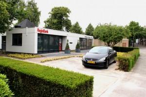 de nieuwe vestiging van Midden Brabant Advies en RegioBank aan de Baerdijk in Oisterwijk. (foto Joris van der Pijll)