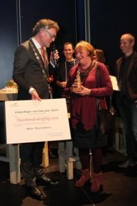 Ontroering en verrassing bij een vrolijke Mia Kanters (Foto: Joris van der Pijll)