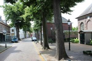 Links het pand in de Kerkstraat dat eerder al werd afgewezen.  (Foto: Joris van der Pijll)