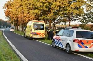 Politie en ambulance komen ter plaatse... (Foto: Toby de Kort)