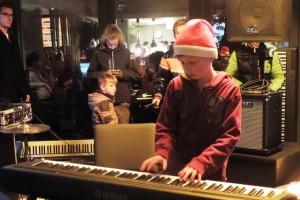 Veel muziek in het Oisterwijkse centrum (Foto: Leny van Schijndel).