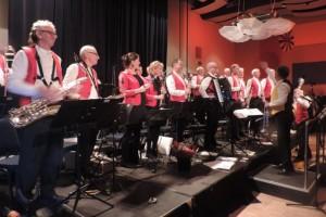 De Parelmuzikanten in Den Boogaard Moergestel (Foto: Leny van Schijndel).